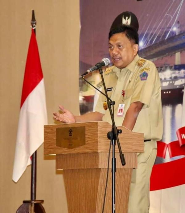 OLLY DONDOKAMBEY SE,  Gubernur Provinsi Sulawesi Utara saat menyampaikan sambutan, Senin (25/11/2019)