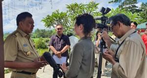 Gubernur Olly Dondokambey SE saat diwawancara crew TV ABC News Australia, Selasa (26/11/2019)