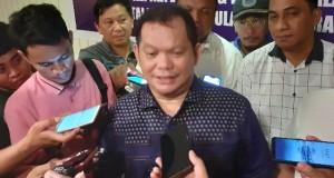 Elly Engelbert Lasut (E2L) saat memberikan keterangan kepada sejumlah media di Kantor Partai Nasdem Sulut usai mendaftar Bakal Calon Gubernur Sulut, Senin (09/12/2019)