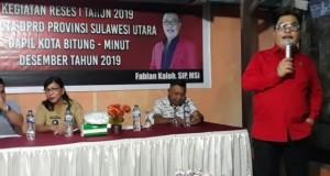 Angggota DRPD Sulut Fabian Kaloh saat melakukan Reses dengan Warga Girian Atas, Senin (09/12/2019)
