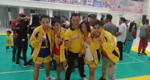Atlit Wushu peraih prestasi bersama Pelatih Sampel Kasenda