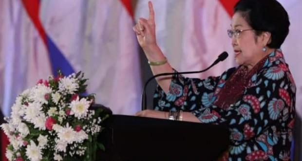 DR HJ MEGAWATI SOEKARNOPUTRI, Ketua Umum PDI Perjuangan saat memberi wejangan politik, Sabtu (18/01/2020) malam