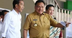 Presiden Joko Widodo didampingi Gubernur Olly Dondokambey SE dan Wakil Gubernur Sulut Drs Steven OE Kandouw (ODSK) saat berkunjung ke Sulut waktu lalu