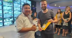 Kepala Dinas Kominfo Kota Manado menerima kunjungan Turis Jerman