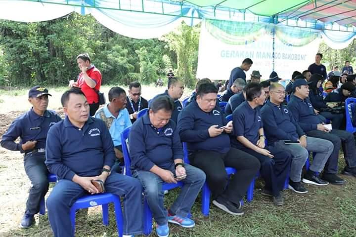 Para pejabat dan staf Pemkot Manado yang ikut dalam kegiatan