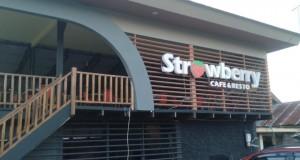 Café dan Resto Strowberry