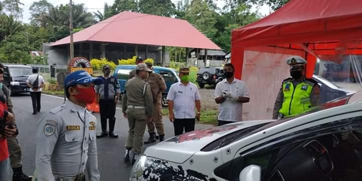 Pos pemeriksaan di pintu masuk (perbatasan) yang dibangun Pemkab Minahasa
