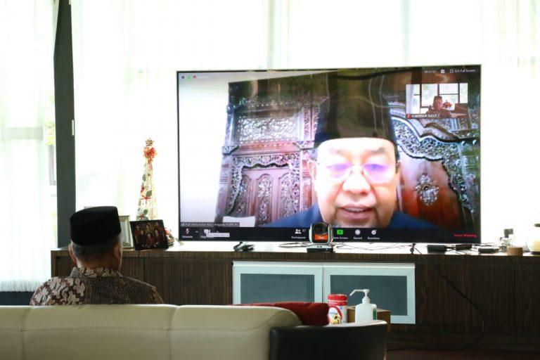 Kepala BPK RI Harry Azhar Azis saat melakukan Video Teleconference dengan Gubernur Sulut Olly Dondokambey SE