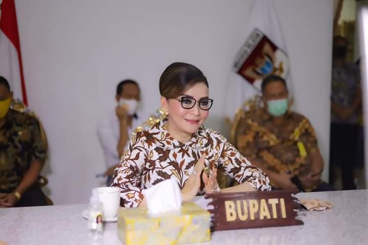 Bupati CEP terus mendengarkan penyampaian Kepala BPK RI Perwakilan Sulut terkait rekomendasi teekait LHP atas LKPD Pemkab Minsel TA 2019