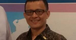 Stefanus Sampe Ph.D, Akademisi Unsrat Manado sekaligus Pengamat Pemerintahan dan Politik Sulawesi Utara