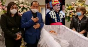 Walikota Bitung Maximiliaan Jonas Lomban dan Ketua TP PKK Kota Bitung Ibu Khouni Lomban Rawung saat melayat di rumah duka Alm Benny Tengker, Jumat (28/08/2020) malam