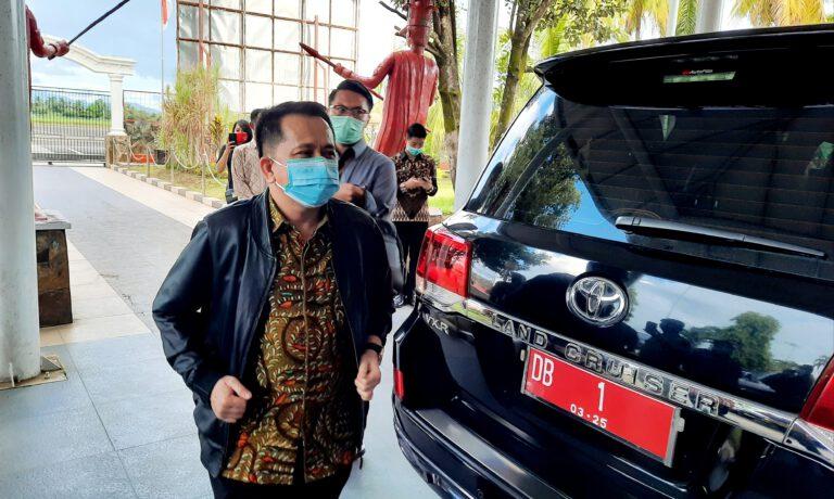 Pjs Gubernur Sulut Agus Fatoni saat tiba di VVIP Pemprov Sulut, Bandara Sam Ratulangi Manado, Sabtu (26/09/2020) sore.