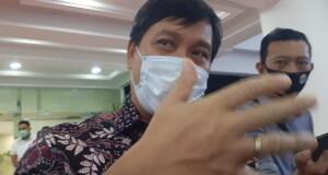 Wakil Gubernur Sulut Drs Steven OE Kandouw saat memberikan keterangan pers, Senin (07/09/2020) sore.