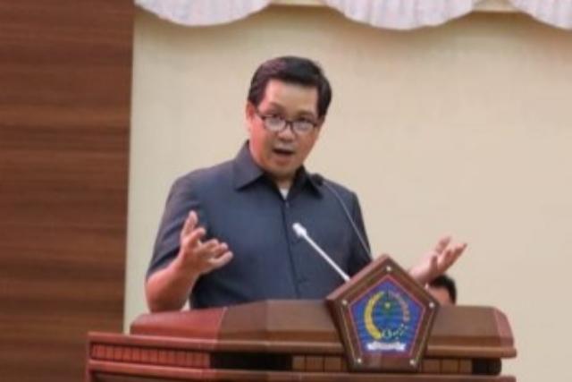 Wakil Gubernur Sulut Drs Steven OE Kandouw saat menanggapi aspirasi Anggota DRPD dari Dapil masing-masing, Selasa (15/09/2020)