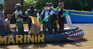 16-10-2020 Lantamal VIII Bersih Sungai3