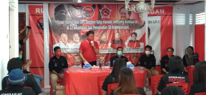 Calon Walikota, Andrei Angouw saat menyampaikan sambutan di Rapat Konsolidasi DPC Repdem Manado, Sabtu (17/10/2020)