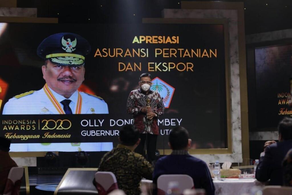 Gubernur Olly Dondokambey SE saat menyampaikan sambutan pada penerimaan penghargaan