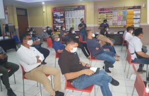Petemuan terbatan penambang Rakyat Tatelu dan PT. MSM-TTN di ruang rapat Mapolres Minut, Senin (15/02/21)