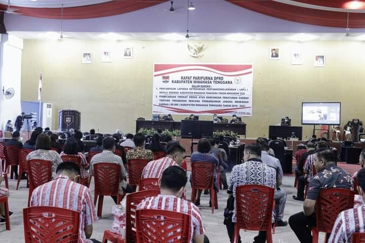Suasana Rapat Paripurna DPRD Mitra dengan menerapkan protokol kesehatan
