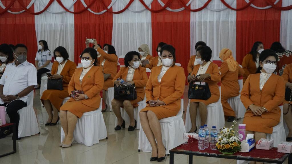 Jajaran pengurus BKOW Sulut