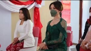Hadir juga Ketua TP-PKK Ny. Rizya Ganda-Davega dan Ketua PMI Minut yang adalah istri Wabup, Ny. Kristi Karla Lotulung-Arina