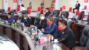 Anggota DPRD Minut tampak mengikuti Paripurna mendengarkan Pidato Kenegaraan di ruang sidang kantor DPRD.