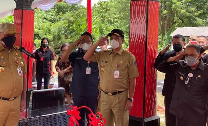 Upacara Ziarah ke makam mantan Wagub Freddy Sualang di Desa Leilem Minahasa.