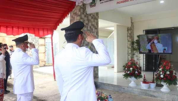 Upacara detik-detik Proklamasi bersama Presiden Jokowi melalui live streaming