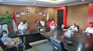 Bupati Minut, Joune Ganda Mengikuti Zoom Meeting Pemeriksaan Kinerja Pengembangan dan Pemasaran Destinasi Pariwisata oleh BPK perwakilan Sulawesi Utara.