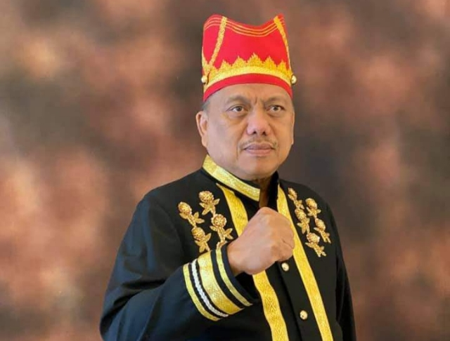 OLLY DONDOKAMBEY, SE, Gubernur Sulawesi Utara