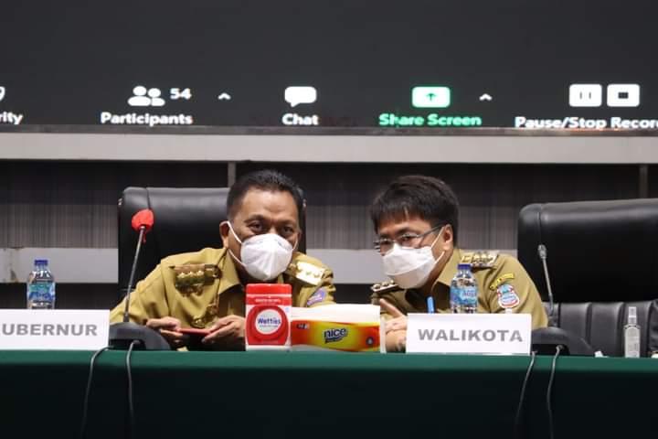 Gubernur Olly Dondokambey SE bersama Walikota Andrei Angouw saat pembukaan Musrenbang RPJMD Kota Manado, Senin (11/10/2021)