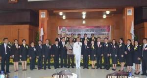 Foto bersama para legislator Kota Tomohon