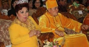 Bupati Kepulauan Sangihe HR Makagansa bersama Ketua TP PKK Kabupaten W Rompis