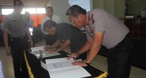 Kapolda Sulut Brigjend Pol Jimmy P Sinaga bersama Kepala BPK