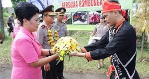 Kapolda Sulut Brigjen Pol Wilmar Marpaung bersama Istri berkunjung di Polres Minut.