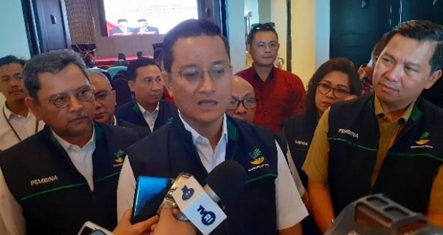 Menteri Sosial RI Juliari Batubara didampingi Wagub Drs Steven OE Kandouw saat memberikan keterangan kepada media, Selasa (19/11/2019)