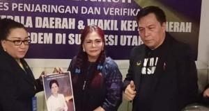 Vonnie Panambunan saat daftarkan diri ke DPW partai Nasdem Sulut.