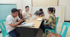 Dinas Kesehatan Kabupaten Minahasa Selatan saat mengklarifikasi di Kantor Perwakilan PT SEJ di Manado, Sabtu (29/02/2020)